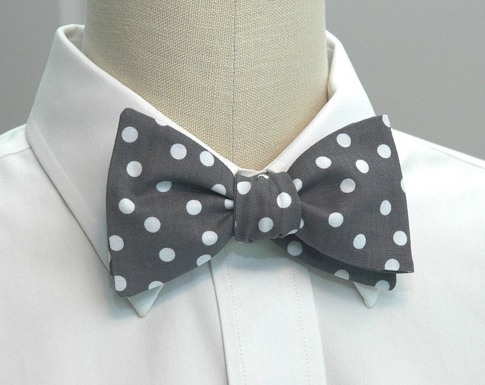 Men's Bow Tie, gray with random white polka dots, wedding bow tie, groom bow tie, groomsmen gift, boardroom bow tie, elegant gray bow tie