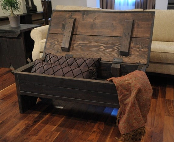 Coffee table with a surprise. Coffee table trunk.