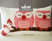 Sukan /  Pink Owls Pillow Cover - 12x20