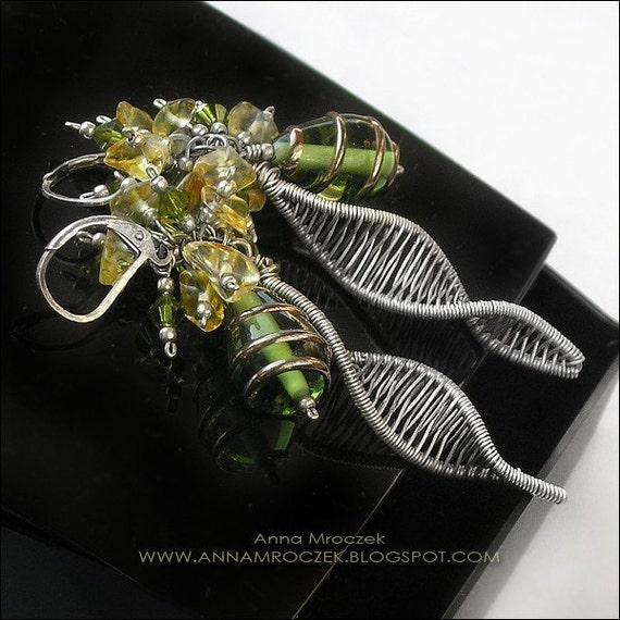 GOLDEN GARDEN - earrings made from fine and sterling silver, with Lamwork and Swarovski glass. Wire wrapped.