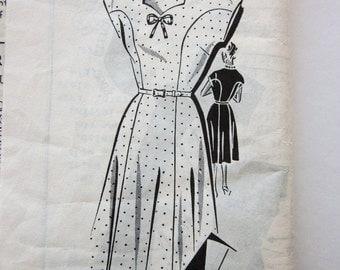 60s Patt-O-Rama 8198 Cap Sleeve Dress with Sweetheart Neckline, Flared Skirt - Size 16 Bust 37