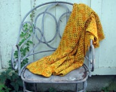 golden glow vintage afghan -- cozy lap blanket