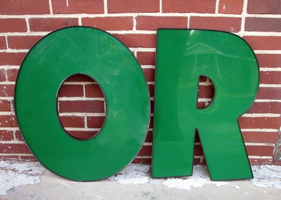 big ole green sign letter O