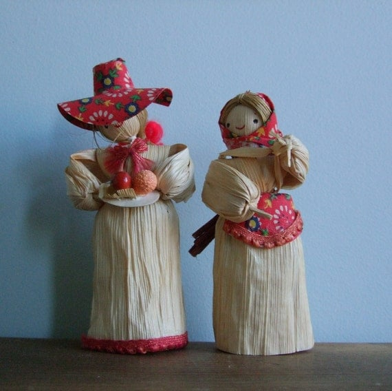Corn Husk Doll Pair, Peasant Villager Set, Red Accessories, Home Decor