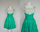 Summer Cocktail Dress / 1950s Dress / Small Vintage Party Dress/ Small / Vintage 50s Prom Dress /  Emerald Green Lace Full Skirt Party Dres