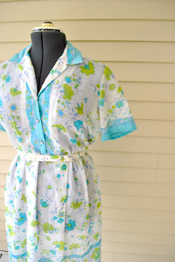1950s Summer Dress  / Large Spring Dress / 1950s Summer Dress  / Large Vintage Dress /1950s Bright and Shiny Button Up Shirtdress