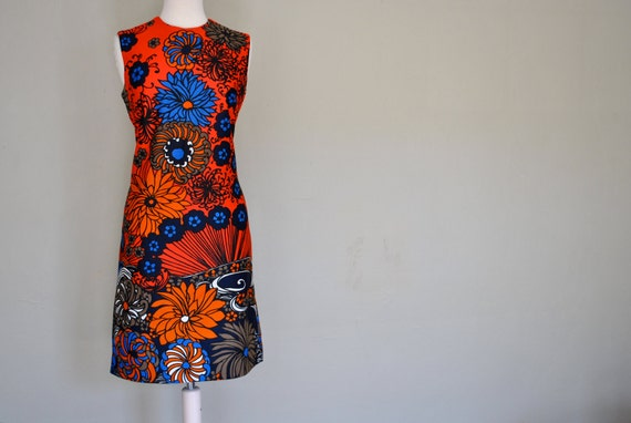 Bright Floral Sheath Dress / 1960s 1970s Psychedelic Bright Dress / Medium Large Vintage Simple Cut Dress