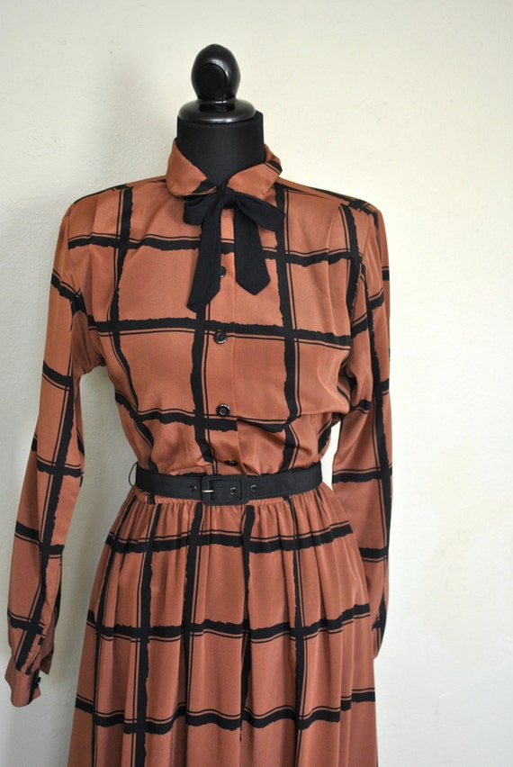Christmas in July SALE   SALE   Brown Vintage Dress / 1970s Vintage Dress / 1970s Dress / Brown Plaid Secretary Dress