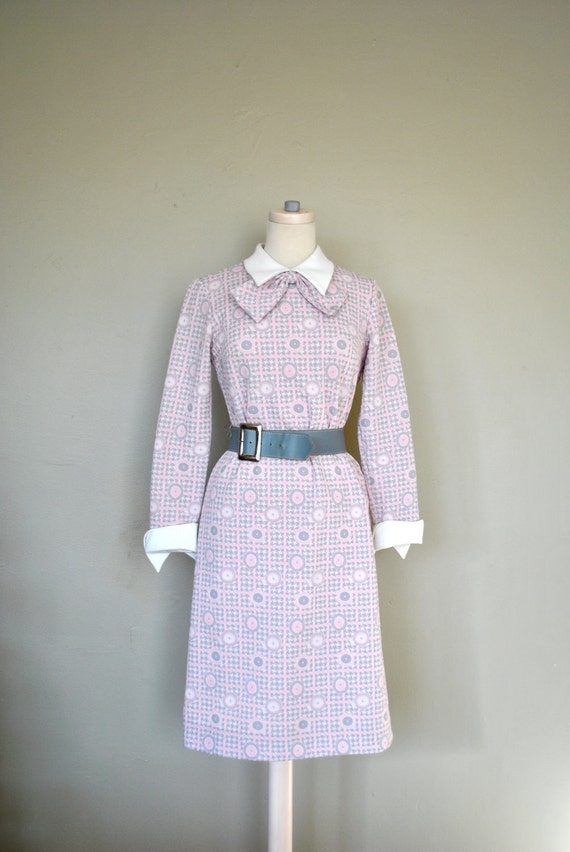 1960s/70 Light Pink and Gray Women's Dress / 1960s Dress / Light Pink Ladies Vintage Dress