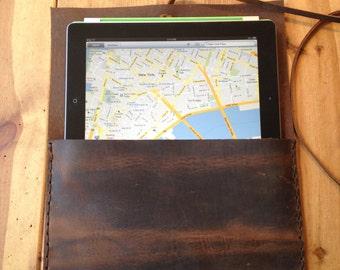 Beak iPad case, handmade leather case, vintage brown tablet sleeve, handmade leather iPad cases covers and sleeves by Aixa Sobin, bag maker