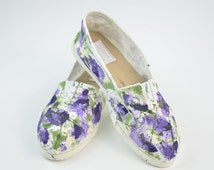 50%OFF WITH COUPON. Handpainted canvas shoes. urple and green alpargatas