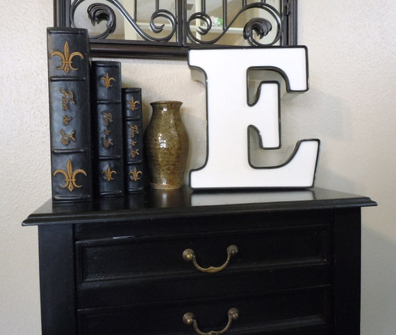 Lighted Industrial E Sign Letter - Channel Letter - Great Nightlight