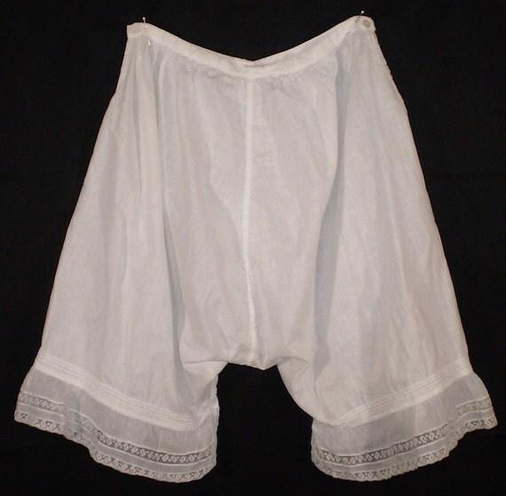 Victorian/Edwardian Ladies Bloomers Undergarment