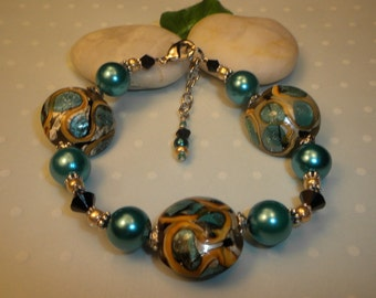 ON SALE! Gorgeous Lampwork Turquoise and Pearl Bracelet