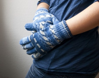 Hand knit wool blend gloves stripes in white and blue. Warm winter accessories.