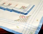 Vintage Tea Cloth, Bridge Cloth, Tablecloth, 4 Matching Napkins, Embroidered Flowers on Off White, Denim Blue Edging, Excellent Condition