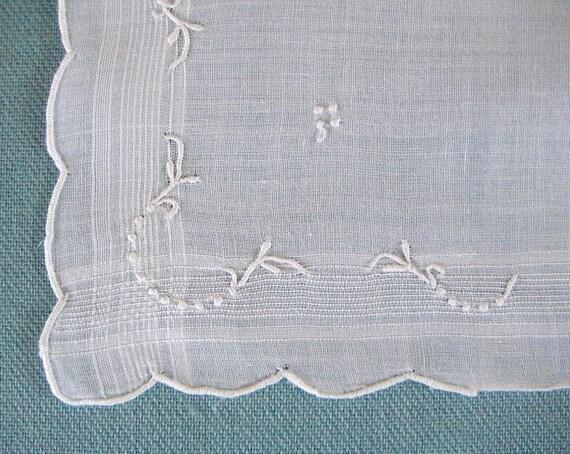 VINTAGE HANKIE, Wedding White Egyptian Cotton, White on White Embroidery with Woven Border, Tailored and Elegant