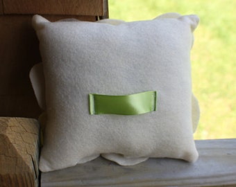 Add a ribbon handle option for Ring Bearer Pillows