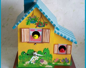 Birdhouse Table Clock