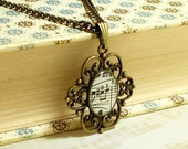 Vintage 1927 Music Note Necklace