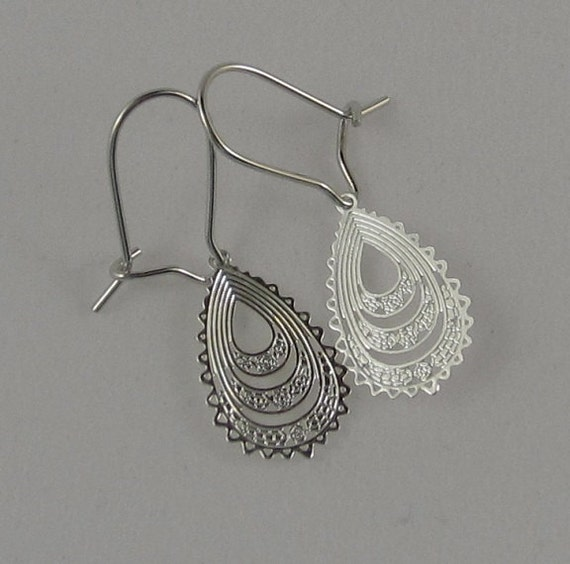 Sweet silver drop earrings