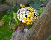 """Sarah Coventry Brooch Bouquet - Vintage Flower """"Flattery"""" - yellow, white and gold and bumble bee, wedding bridal jewelry bouquet"""