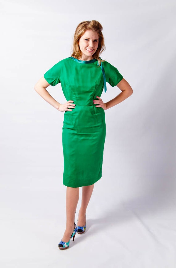 Spring Clean SALE // Late 1950s Glowing Green Secretary Dress // Mad Men Style Joan Holloway