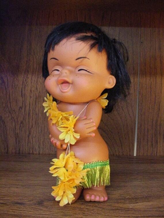 Vintage Hawaiian Hula Doll