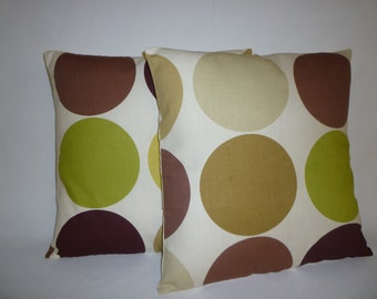 PAIR Funky Retro Green Brown Cream Designer Decorative Pillow Covers. Pillowcases,Throw  Shams, Slips.Scatter