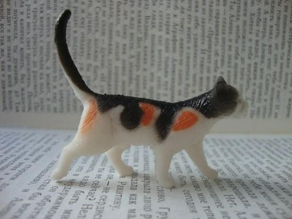 Orange and Black Calico Cat Brooch Pin - Kawaii Kitty Cat Pin
