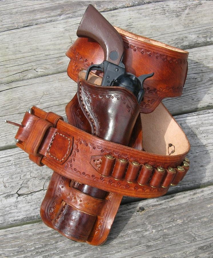 western gun belt and loop holster