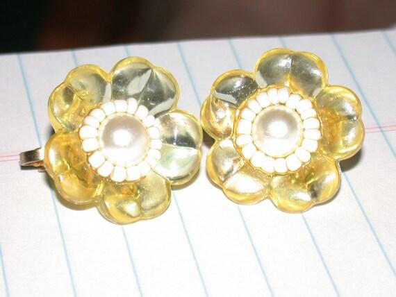 ON SALE Vintage Yellow Flower Earrings