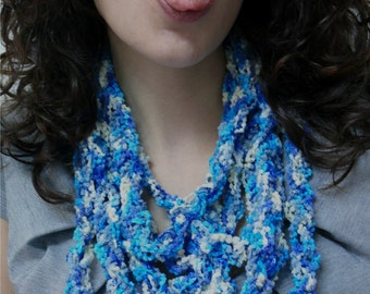 Stylish Blues knitted necklace