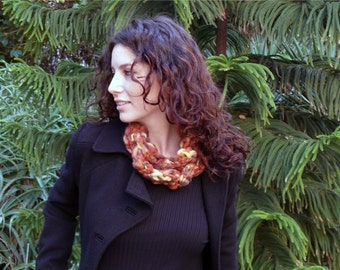 Stylish scarf knitted necklace