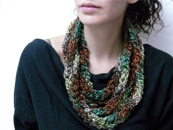 Stylish knitted layers' necklace