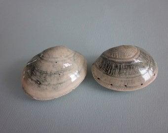 Littleneck clam salt and pepper shaker set