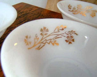 Set of 3 Federal Glass Bowls in Golden Glory