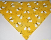 Dog Cat Ferret Reversible 2 in 1 Over the Collar Bandana YELLOW Bumble Bees with Daisy Flowers//Custom made just for YOU and your pet