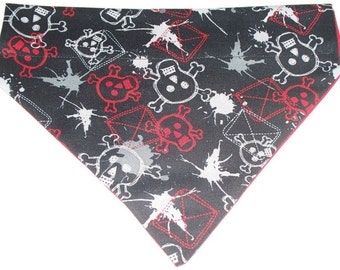 Dog/Cat/Ferret-Reversible 2 in 1 Over the Collar Red Black White SKULLS//Custom made just for YOU and your pet