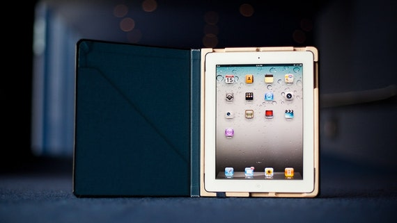 CLEARANCE SALE Octavo Case for iPad 2 - Onyx Black with Camden Blue Interior w/Pocket!