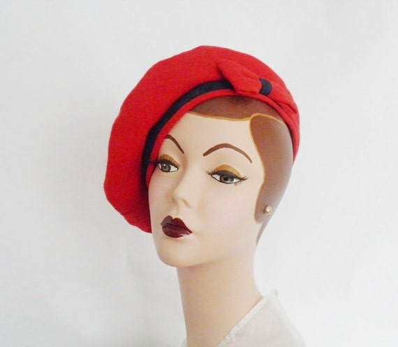 vintage red beret hat, Marylia Japan, navy blue accent
