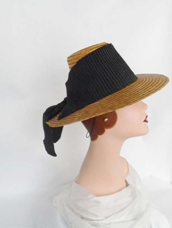 vintage 1930s sailor hat, tilt style, straw with ribbon