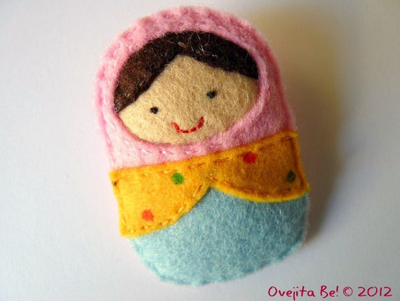 Felt Matryoshka stuffed doll brooch - Pink, yellow and blue