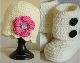 EllieOh's - Newborn Gift Set - includes hat and booties