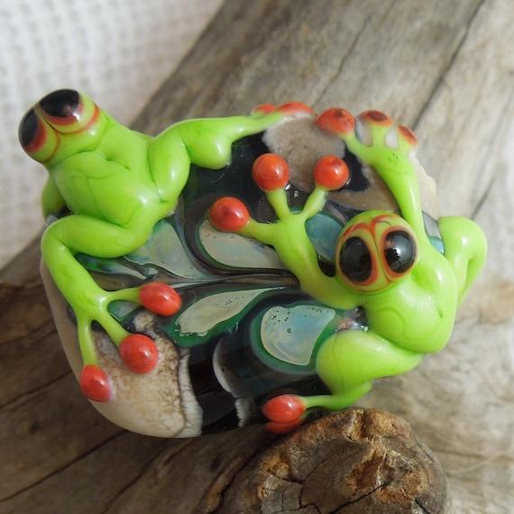 Handmade lampwork glass bead. Two frogs on a leaf.  Pendant Bead  Australian Made SRA