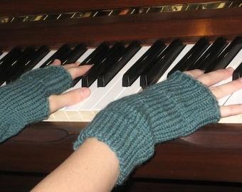 Pure Soft Wool Hand Knit Wrist Warmers Fingerless Gloves in 'jade'