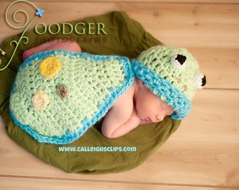 Instant Download Crochet Pattern - no 20 Froggy - Cuddle Critter Cape Set  - Newborn Photography Prop