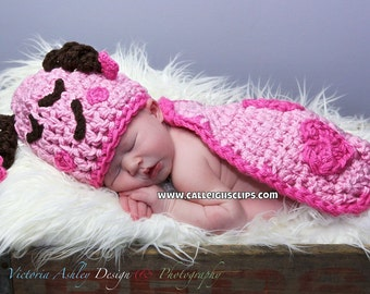 Instant Download Crochet Pattern- no 48 Love Bug- Cuddle Cape Set  -Photography Prop