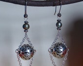 Wrap me in Chains Earrings - Green pearl and St. Silver