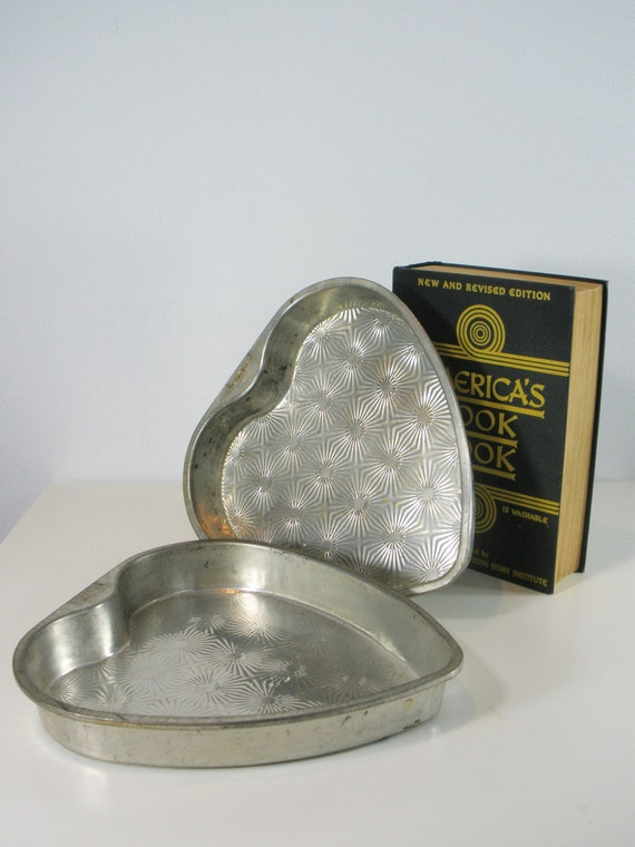Two Vintage Heart Shaped Baking Pans By Ovenex By